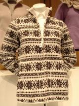 プリントフリースジャケット(長袖・フェアアイル) 1990円