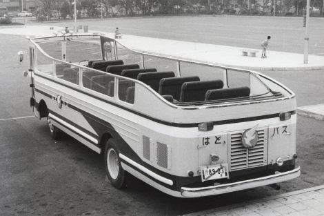 """1965年当時話題となった、同社の""""初代オープンバス"""""""