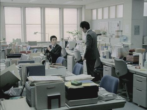 平成22年用年賀はがきCMに出演する小栗旬