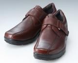 商品はヒモタイプとベルトタイプがあり、それぞれブラウン・ブラックの2色で展開