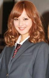 映画『天使の恋』公開直前記念イベントで、公の場ではこの日限りの女子高生服姿を披露した佐々木希 (C)ORICON DD inc.