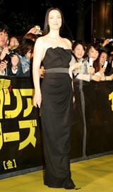 映画『イングロリアス・バスターズ』ジャパンプレミアのイエローカーペットに登場したジュリー・ドレフュス