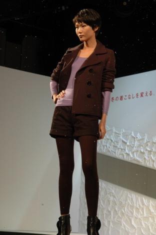 ユニクロ「2009年ヒートテック説明会」でのファッションショーの様子 (C)ORICON DD inc.