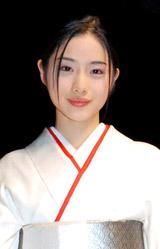 『日本の美を愛でる』着物ファッションショーにモデルとして出演した石原さとみ