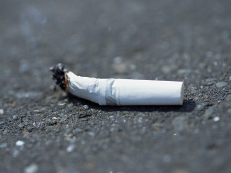 減少傾向にある喫煙率。