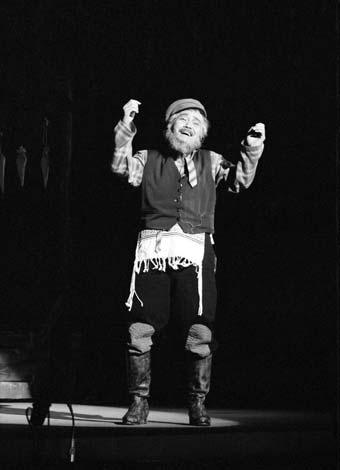 昭和42年『屋根の上のヴァイオリン弾き』に出演した森繁久彌さん