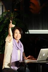 """冬の女王から""""ツイッターの女王""""へ PCを持ち込んで実況しながらライブを行った広瀬香美"""