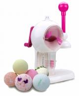 バンプレストが発売する自宅で入浴剤が作れる玩具『バスボムメーカー』