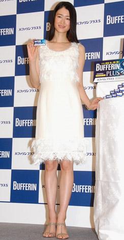 解熱鎮痛薬『バファリンプラスS』の新CM発表会に出席した小雪 (C)ORICON DD inc.