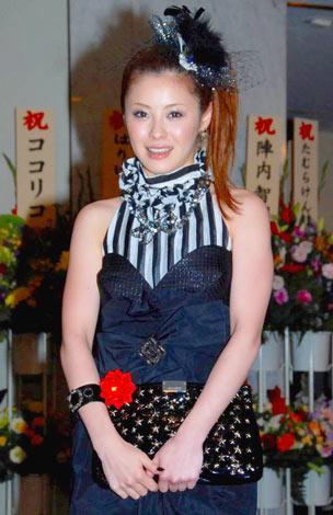 庄司智春と藤本美貴の結婚披露宴に出席した松浦亜弥 (C)ORICON DD inc.