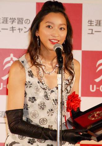 「歴女」が『2009 ユーキャン新語・流行語大賞』にTOP10入りし、授賞式に出席した杏 (C)ORICON DD inc.