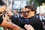 イギリス・ロンドンのエンパイア・レスター・スクウェアで行われた『パブリック・エネミーズ』ロンドンプレミアに登場したジョニー・デップ (撮影/DavidDettman)(C)2009 Universal Studios. ALL RIGHTS RESERVED.