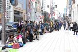 店舗が建つ中央通り沿いにできた長蛇の列 (C)ORICON DD inc.