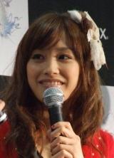 『FINAL FANTASY XIII』発売カウントダウンイベントに登場した高橋愛 (C)ORICON DD inc.