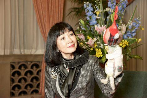 元宝塚で知られる総理夫人(C)日本ユニセフ協会※『Happy Birthday Download for Children』