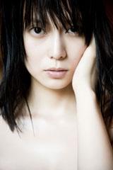 柴咲コウ、初の撮りおろし写真集の表紙