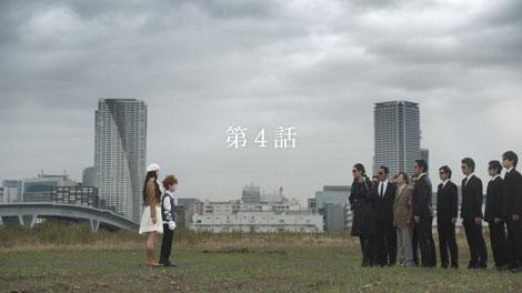 悪の組織と対決する成海璃子/『クラレ』新CM