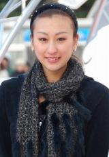 『フォルクスワーゲン スケートリンク』オープニングセレモニーに出席した浅田舞