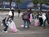 普通のゴミ拾いに見えて、実は「スポーツゴミ拾い」競技中