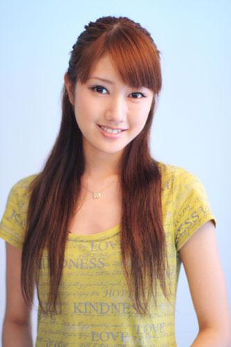 ファッションモデルの多岐川華子さん
