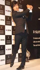 コナカのイメージキャラクターを務める石川遼選手が新機能スーツを着用しスイングを披露 (C)ORICON DD inc.