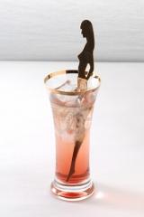 ゲーム『ドラゴンクエスト』シリーズのオフィシャルバー「LUIDA'S BAR(ルイーダの酒場)」は飲み物も特殊、写真は「セクシービーム」