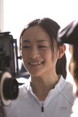 上村愛子選手が出演する『アクエリアス』新CMのメイキングカット