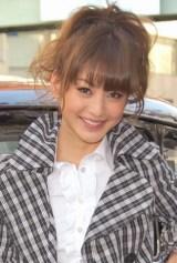 アパレルブランド・バーバリーのバレンタインキャンペーンイベントに出席した西山茉希 (C)ORICON DD inc.