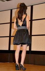 『2010年エランドール賞』新人賞を受賞した多部未華子がセクシードレスで登場