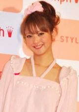 下着ブランド『AMO'S STYLE』の2010年新イメージキャラクターに選ばれた佐々木希 (C)ORICON DD inc.