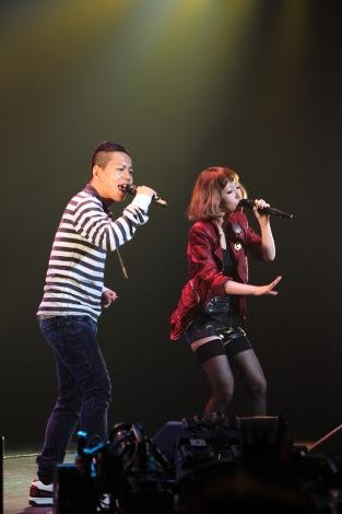 3D映像生中継を行ったライブイベント「Winternet'10 バレンタイン・スペシャルライブ」に登場した清水翔太と加藤ミリヤ