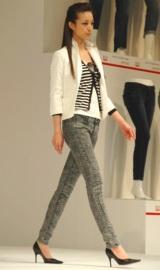 ユニクロが展開する新ジーンズブランド『UJ』発表会ではファッションショーも行われた (C)ORICON DD inc.
