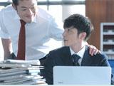 4作目となる新CMで念願の初共演を果たしたアントキの猪木と玉木宏(右)