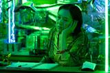 モーテルの女主人役で特別出演した桃井かおりの出演シーン(C)2009 DODI FILM PRODUCTIONS. ALL RIGHTS RESERVED.