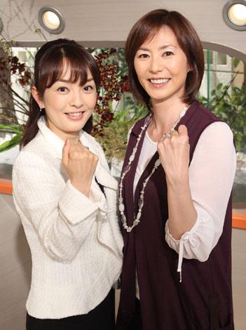 新番組『news every.』でメインキャスターを務める陣内貴美子(右)、丸岡いずみ (C)日本テレビ