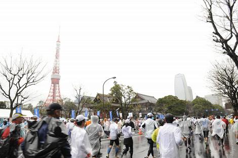 『東京マラソン2010』東京タワー周辺の模様 (C)東京マラソン