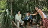 (左から)藤原竜也、反町隆史、長谷川潤がカメラに向かってアピール! /『キリンゼロ<生>』CM