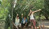 楽しそうな3人(左から)藤原竜也、反町隆史、長谷川潤/『キリンゼロ<生>』CMメイキングカット