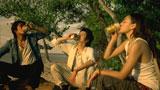 日暮れ時、『キリンゼロ<生>』で乾杯する(左から)反町隆史、藤原竜也、長谷川潤/『麒麟ZERO<生>』CM