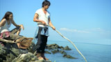 ワイルドに木の棒で魚を釣る反町隆史/『麒麟ZERO<生>』CM