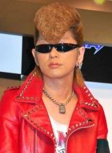 『ファンタ』新CMに出演するロックバンドFANTAの氣志團・綾小路翔(Ayanocozey=ベース) (C)ORICON DD inc.