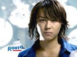"""TAKAHIROが『ロートジー(R)』新CMで""""初体験""""!"""