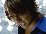 『ロートジー(R)』新CMで「クゥ〜」と爽快感にもだえるTAKAHIRO