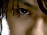 力強い眼差しのTAKAHIRO/『ロートジー(R)』新CM
