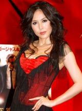 映画『NINE』のイベントで劇中の華麗なダンスシーン再現に挑戦した杉本彩