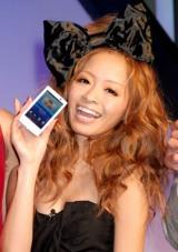 ドコモスマートフォン『Xperia』巨大砂時計カウントダウンイベントに出席した小森純 (C)ORICON DD inc.