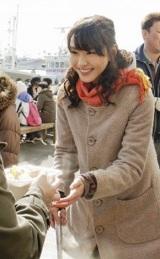 釧路で行われた「返礼」セレモニーに参加した新垣結衣 (C)ORICON DD inc.