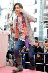 ゲームソフト『プーぺガールDS』のイベントに歓声に包まれながら登場した菅田将暉