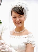 舞台『余命1か月の花嫁』の制作発表会見にウエディングドレスで登場した貫地谷しほり (C)ORICON DD inc.