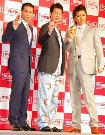 缶コーヒー『ワンダ』の新CMに出演する(左から)市原隼人、唐沢寿明、GACKT (C)ORICON DD inc.